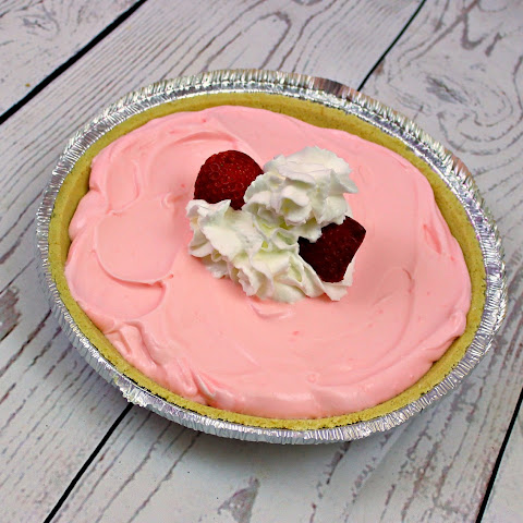 Easy Strawberry Cream Pie.