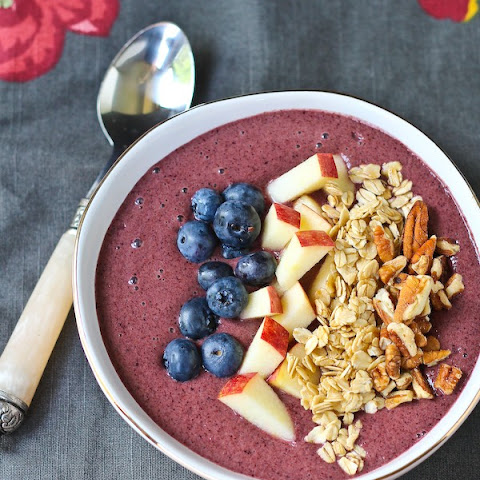 Blueberry Apple Crisp Smoothie Bowl