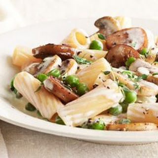Rigatoni with Sausage, Peas, and Mushrooms