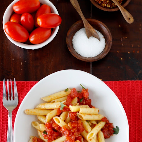 Penne all'Arrabbiata {Spicy Penne Pasta}