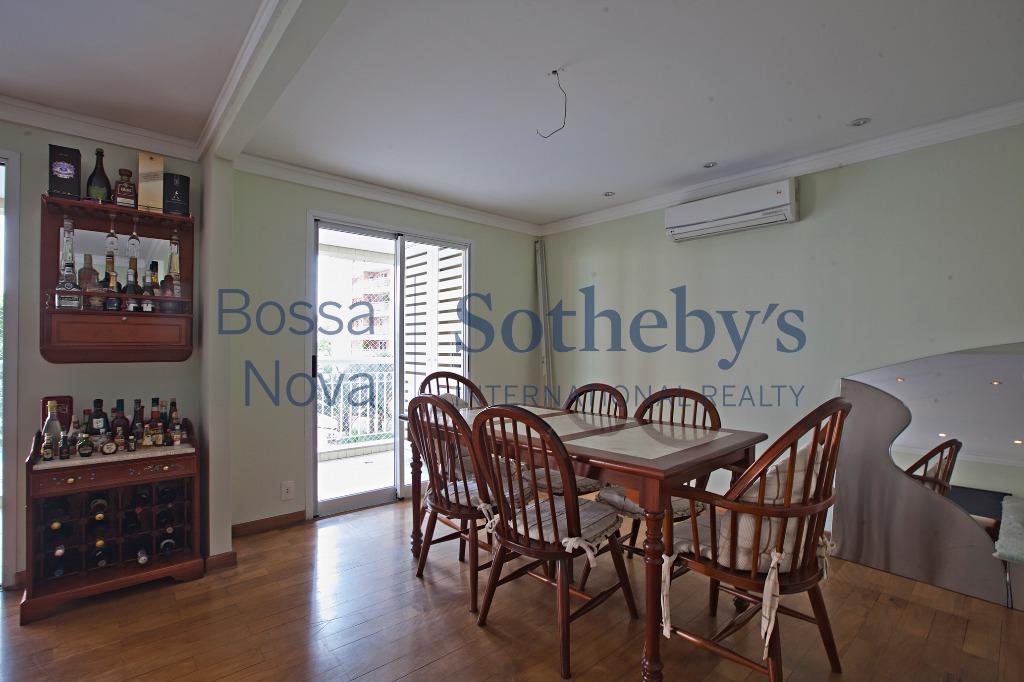 Apartamento diferenciado em condomínio clube  Alto da Lapa