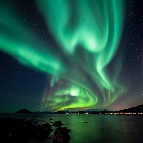 Long aurora by Benny Høynes - Landscapes Starscapes ( bennyhøynes, mk2, aurora, boreoalis, landscapes, 5d )