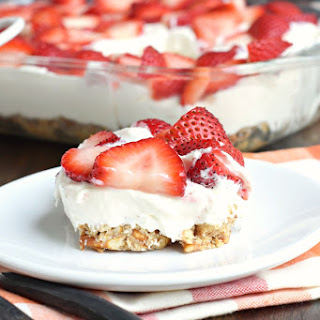 Strawberry Pretzel Bars