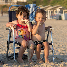 Cooling Down Together by Ofir Naot - Babies & Children Toddlers ( beach people, summer fun, summertime, icecream, street photography, KidsOfSummer )