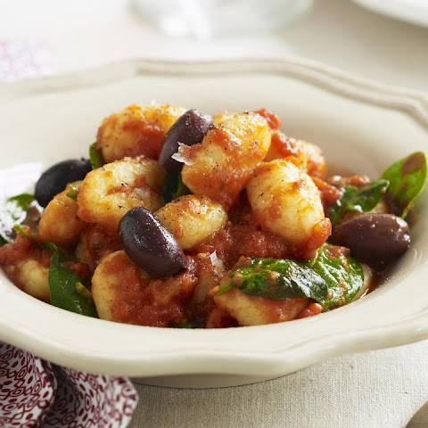 Gnocchi with Spicy Tomato and Spinach Sauce