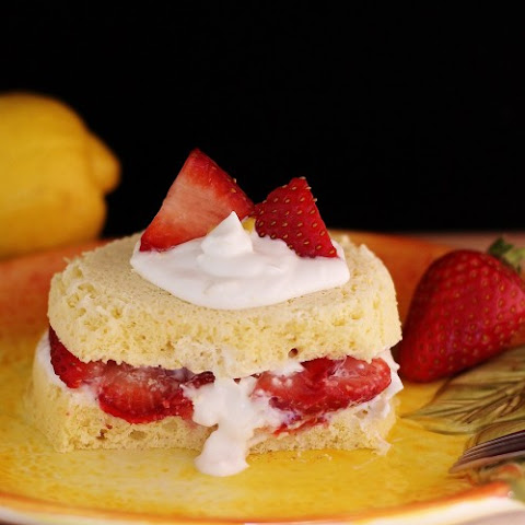 Quick Paleo Strawberry Lemon Shortcake