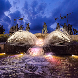 by Thomas Berwein - City,  Street & Park  Fountains