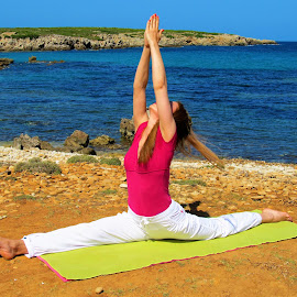 Yoga_Hanumanasana by Svetlana Saenkova - Sports & Fitness Other Sports ( seashore, yoga,  )
