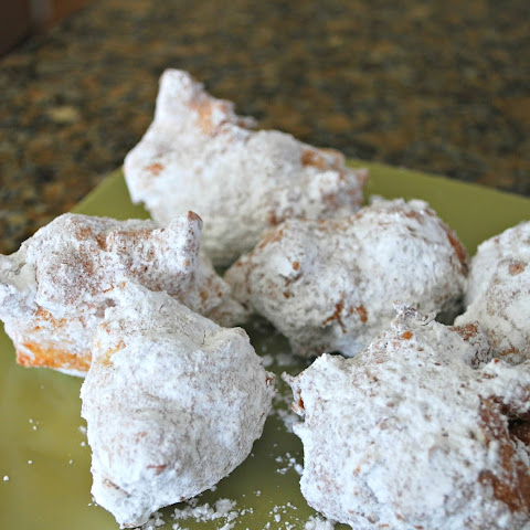 Powdered Sugar Zeppoles – Keep Good Going