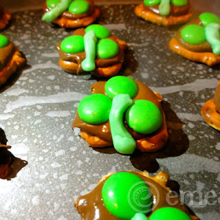Three Leaf Clovers Chocolate Pretzels