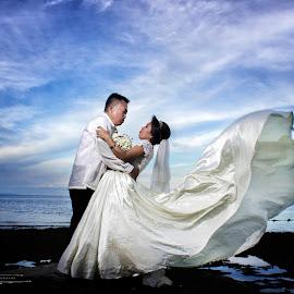 Philippine Wedding by Klien Cyril Trasmonte - Wedding Bride & Groom