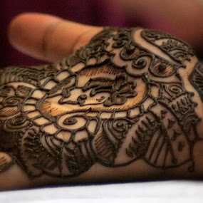 mehendi by Dhruv Ashra - Abstract Fine Art