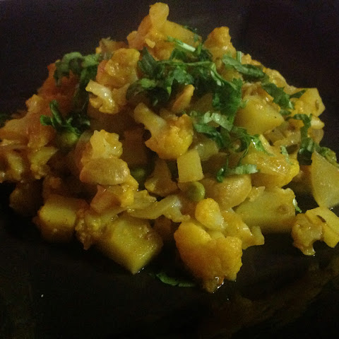 Cauliflower and Potato Curry With Cashews