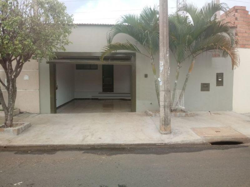 Casa com quartos para Alugar, 108 m²