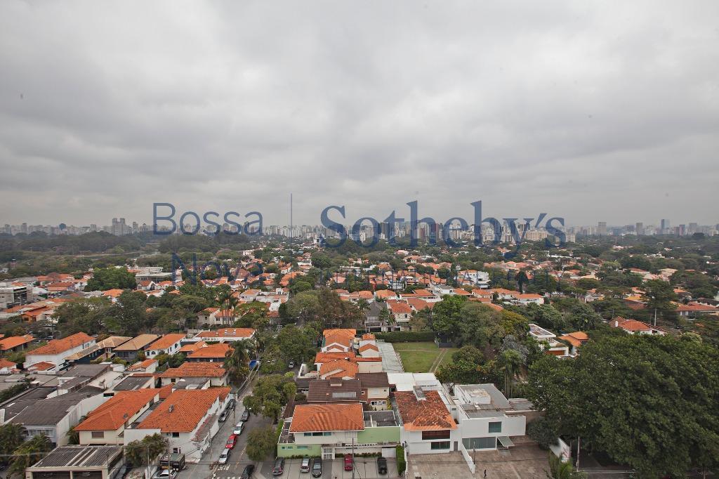 Requintado apartamento com vista para o Parque Ibirapuera!