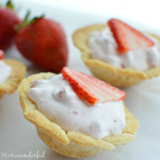Skinny Mini Strawberry Pie Bites