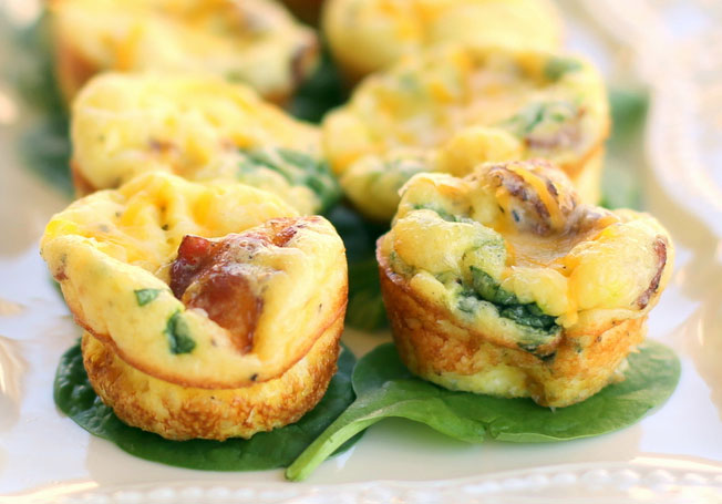 Baby Egg and Bacon Frittatas with Gouda Cheese Recept | Yummly