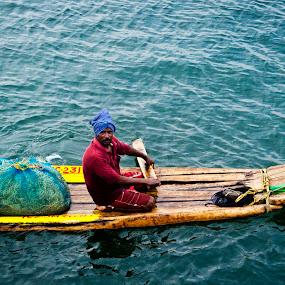 by Sudharshun Gopalan - People Street & Candids ( catamaram, gopalan, sudharshun, fisherman, people, chennai )