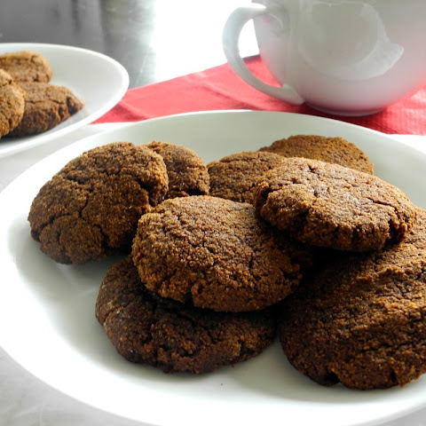 Soft Paleo Ginger Molasses Cookies
