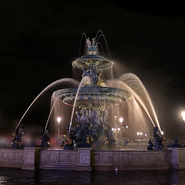Place de la Concorde by Denis Becaud - Buildings & Architecture Statues & Monuments ( paris, concorde, fountain, night )