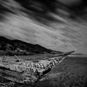 Old boat by Cristobal Garciaferro Rubio - Artistic Objects Other Objects ( b/w, chapala, old boat, boat )