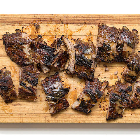 Fennel-Spiced Ribs with Tangy Apple-Mustard Barbecue Sauce
