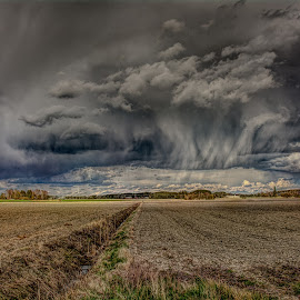 Approach by Bojan Bilas - Landscapes Cloud Formations