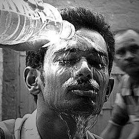 REFRESHMENT............ by Arunabha Kundu - People Street & Candids ( soham, pratiki, arijit, arnab, dipankar )