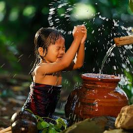 Splash of joy by Safrudin Fathan - Babies & Children Children Candids ( children, shower )