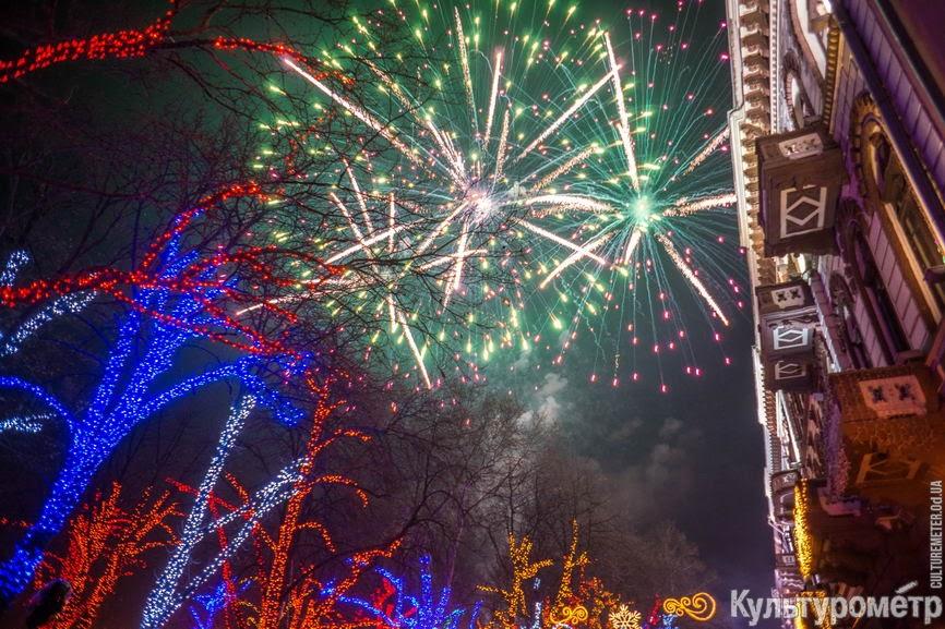 afa_RbbTj1tK-LnlVv7F2_WLacGUlyiQtZvSF_S59sJyWm8mRQAd5PM3NQRNA9FHLi13Qb32_wKQQ7Y=w1440-h810-no Появились фото одесского новогоднего салюта