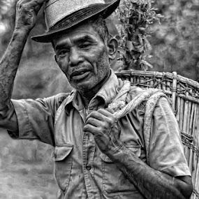 N A N T A N by Aan Unchu - People Portraits of Men