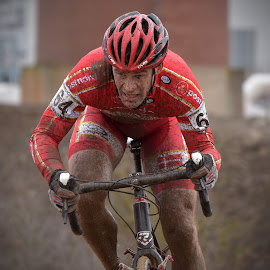 Mud Fighter by Marco Bertamé - Sports & Fitness Cycling ( 2017, cyclo-cross, worldchampioship, effort, number, helmet, race, bicycle, muddy, mud, red, uci, determined, 64, cyclocross )