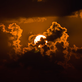 Cloud art by Karthikeyan Chinnathamby - Landscapes Cloud Formations ( canon, clouds, 1100d, silhouette, art, beach, yellow, travel, besant, chennai, nature, south, karthikeyan, india, sunrise, black, tamilnadu,  )