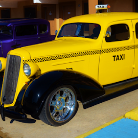 Someone Call A Taxi?  7073 by Jim Suter - Transportation Automobiles