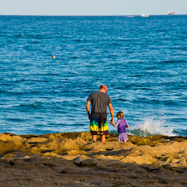 Father & Daughter at the Beach by Andy Smith - Novices Only Landscapes