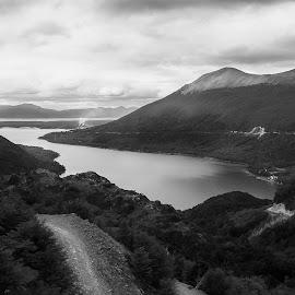 Lago escondido by Jose Rojas - Landscapes Travel ( lago, patagonia, lake, lago escondido,  )