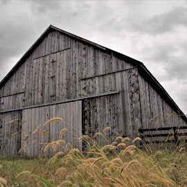Cloudy Country Side . by Jim Dawson - Novices Only Landscapes ( clouds, fence, barn, grass, trees, kentucky )