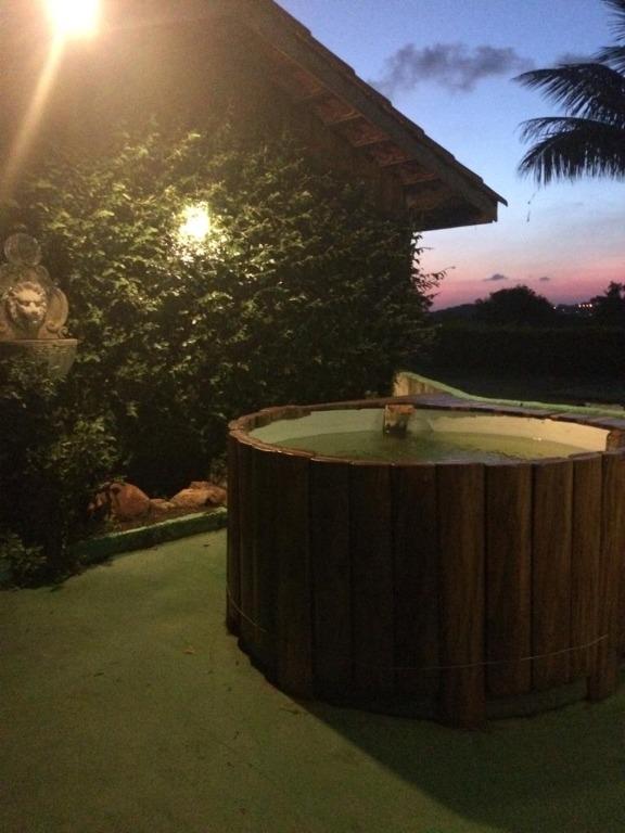 Chácara com 3 dormitórios à venda, 800 m² - Monterrey - Louveira/SP