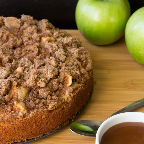 Caramel Apple Cinnamon Coffee Cake