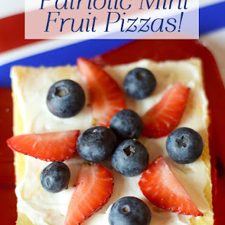 Patriotic Mini Fruit Pizzas! (with Crescent Roll Crust)