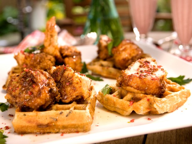 Fried Chicken and Wild Rice Waffles with Pink Peppercorn Sauce Recept ...