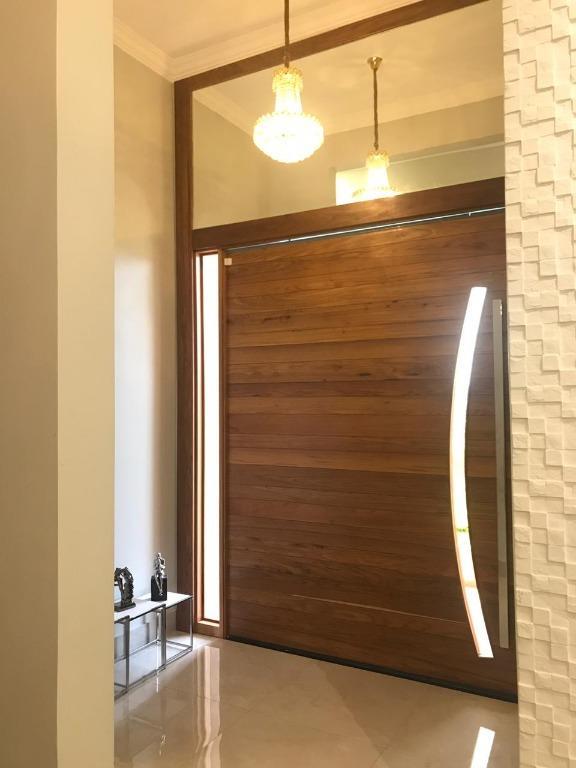 Casa em Condomínio com quartos para Alugar, 879 m²