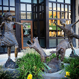 by Karen McKenzie McAdoo - Buildings & Architecture Statues & Monuments