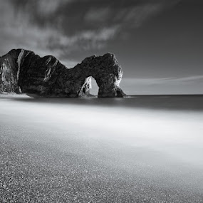 Durdle door  by Jim Webb - Landscapes Waterscapes