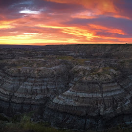 Horse Thief Canyon Pano at Sunset by Darrell Portz - Instagram & Mobile iPhone ( alberta, sunset, horse thief canyon, drumheller, iphone, panorama,  )