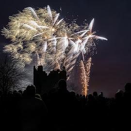 Fireworks at the castle by Ovidiu Sumănar - Abstract Fire & Fireworks ( fireworks, castle )