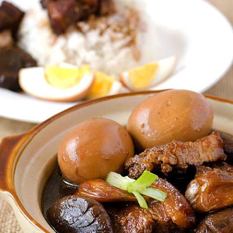 Tau Yu Bak (Braised Pork Belly in Soy Sauce)