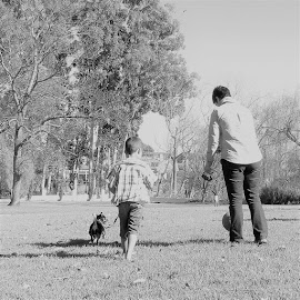 Family time by Hendriette Reyneke - People Family