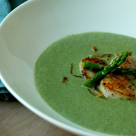 GREEN ASPARAGUS SOUP WITH SEARED SCALLOPS