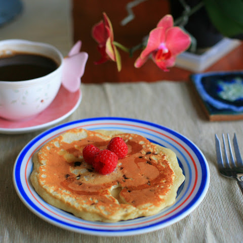 Healthier Pancakes with Oats, Raspberries and Maple Syrup